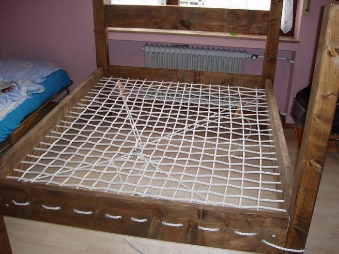bett selber bauen anleitung ra01 hitoiro. Black Bedroom Furniture Sets. Home Design Ideas